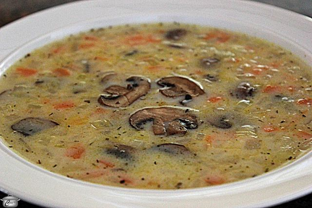 This creamy mushroom soup is more delicious and satisfying thanks to the inclusion of nutty-flavoured Naked Rice.