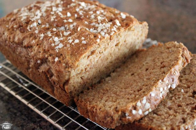 Don't be surprised if people mistake this loaf for cake. The applesauce adds a ton of flavour and the quinoa flakes give it a slightly nutty taste along with a whole lot of nutrition.