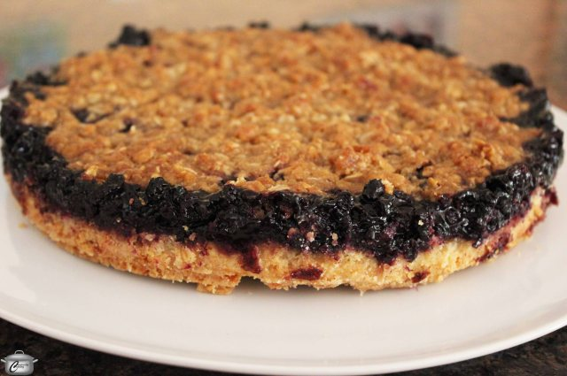 This tart is super tasty and ideal for those who don't like to fuss with pastry.