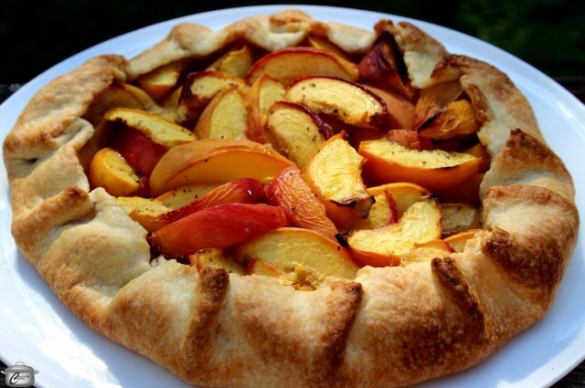 freeform peach pie