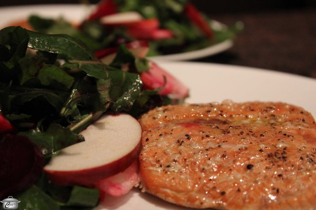 The salmon and arugula side salad took about 45 minutes to prepare and was fresh and flavourful.