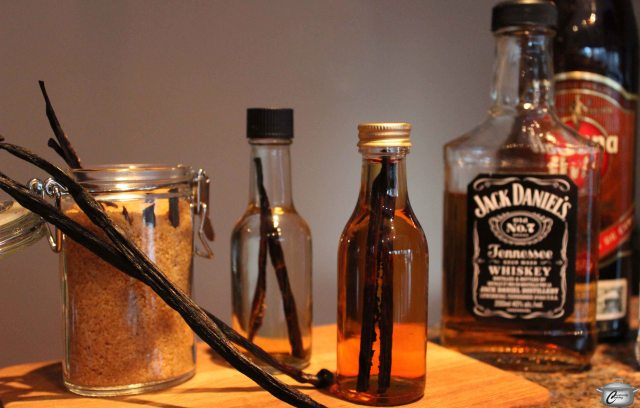It's easy to transform vanilla beans into a variety of delicious gifts.