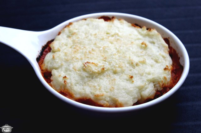 Cottage Pie is often confused with Shepherd's Pie - both involved seasoned, minced meat with a mashed potato topping.