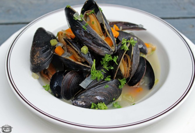 how to clean and prepare mussels
