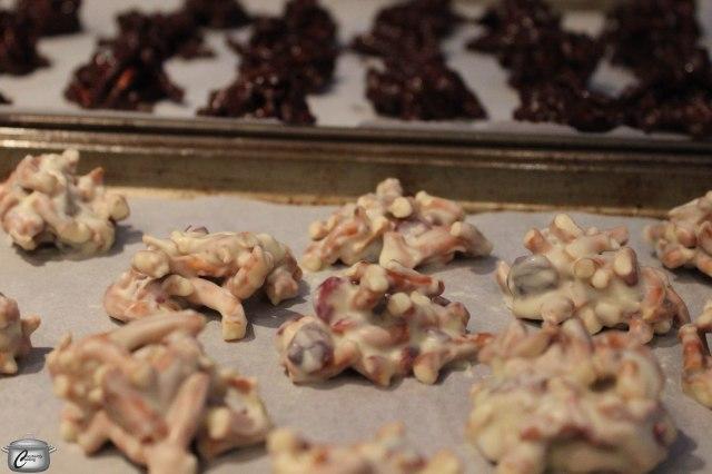 Use white, dark, milk or mint chocolate chips to make your pretzel bites.