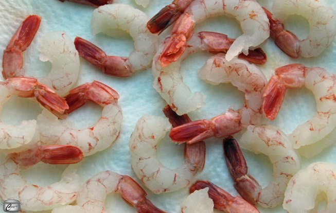 At first glance, raw Argentine shrimp might appear to be cooked, thanks to their pink hue, but the flesh will turn more opaque and shrimp will curl up as they are cooked. Note that these tender, flavourful shrimp cook more quickly than other varieties.