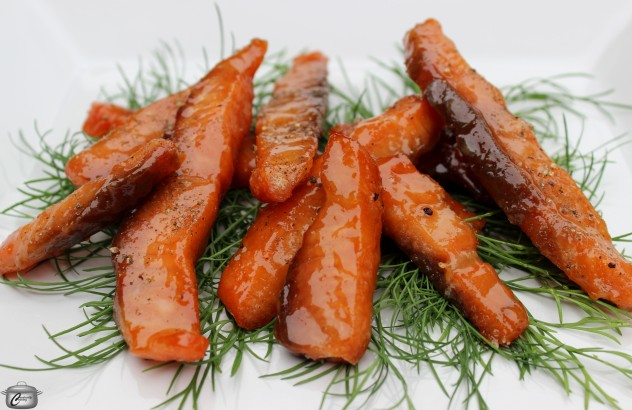 Sweet, salty, chewy and peppery, this smoked salmon candy is a versatile element for any party menu.