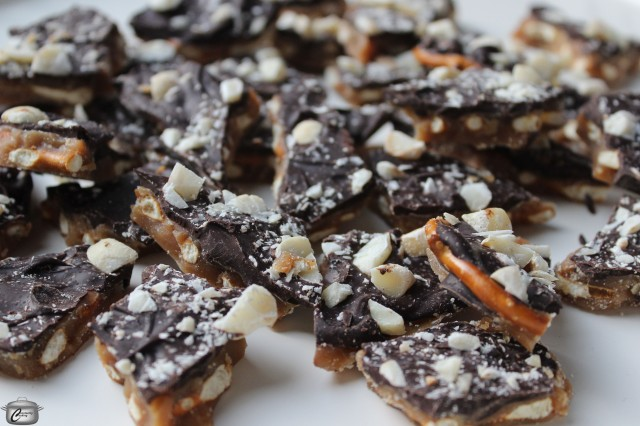 Salted Caramel Pretzel Bark is possibly the most addictive sweet treat I've ever made. Perfect for gifting too!