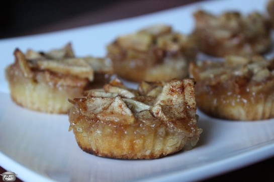 Mini tarts with a shortbread base, spiced apples and salted caramel