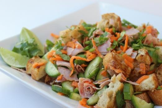 vietnamese_bahn_mi_bread_salad