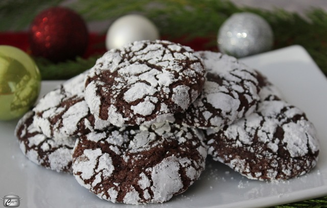 mocha crinkle cookies closeup
