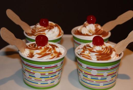 Ice_Cream_Sundae_Cupcakes.jpg