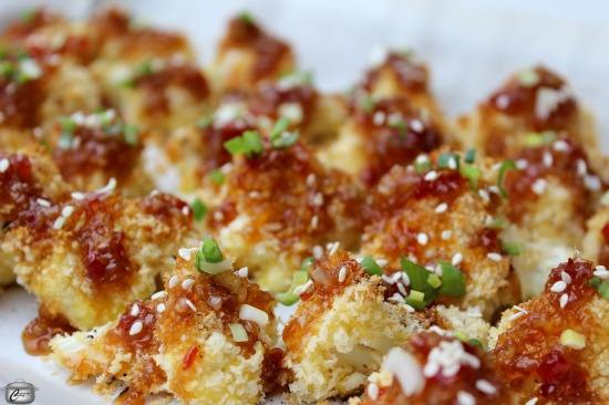 roasted cauliflower nuggets with a sweet and spicy sauce