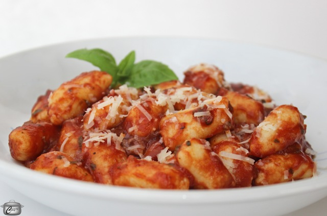 how to make potato and ricotta gnocchi at home