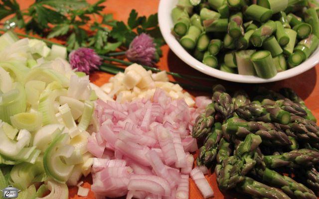 asparagus and leek soup