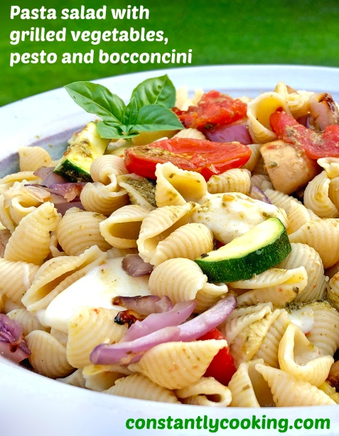 Pasta salad with grilled vegetables and pesto and bocconcini
